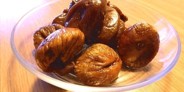 Figs in Port Wine Syrup