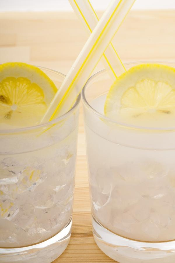 limoncello spritzer cocktail recipe