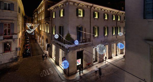 Exterior of Palazzo Victoria in Verona at night