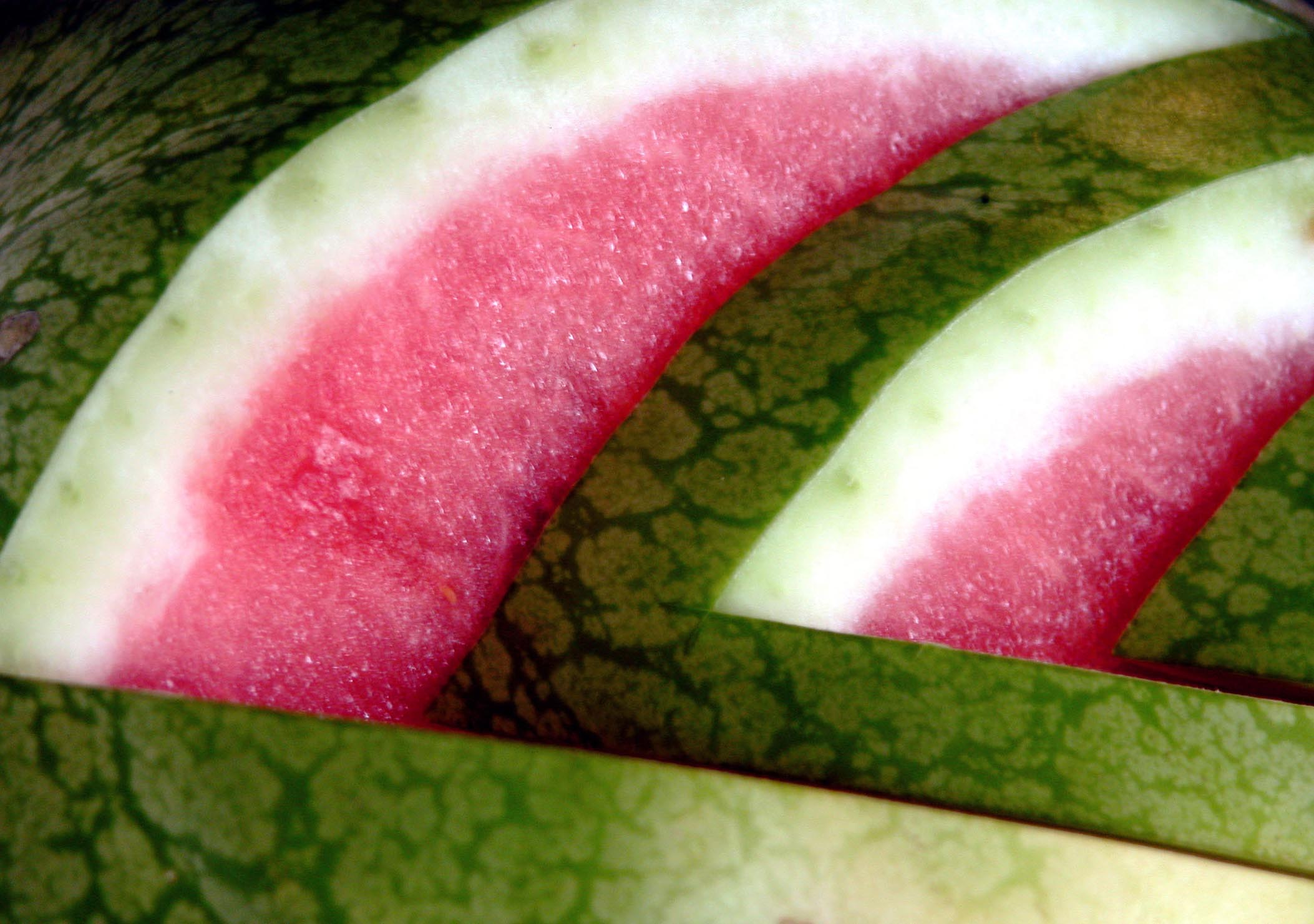 closeup of watermelon helping to illustrate the benefits of watermelon