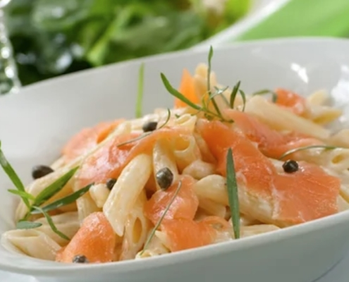 smoked salmon pasta with light cream sauce