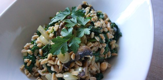 quick cooking farro with mushrooms