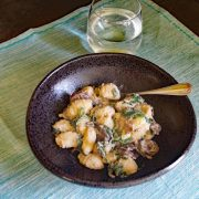 Creamy Gnocchi with Spinach and Mushrooms