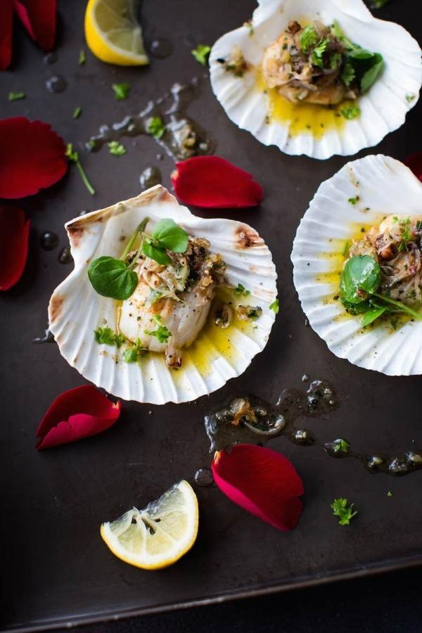 Recipe for Scallops with a Light Watercress Salad - the perfect dish for a romantic meal