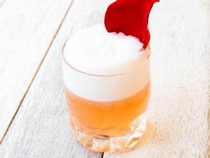 Cupid's CBD Fizz--a CBD cocktail with citrus flavors